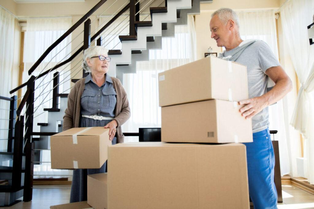 ER Senior Management | Seniors moving